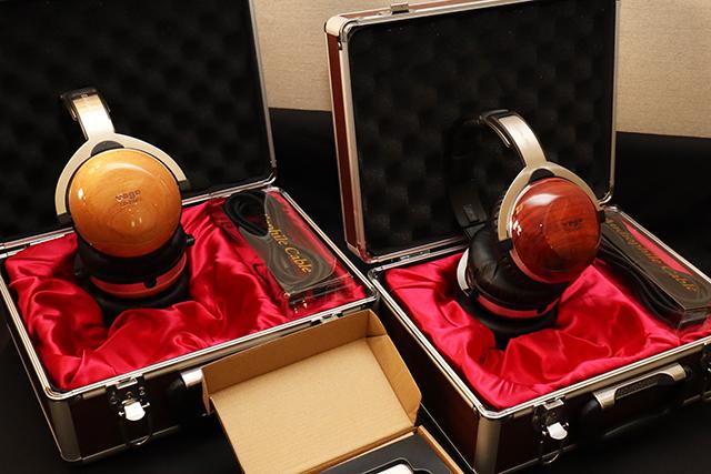 CD-2500 MK2耳罩耳机,采用原木製作耳机外壳,做工相当精美。