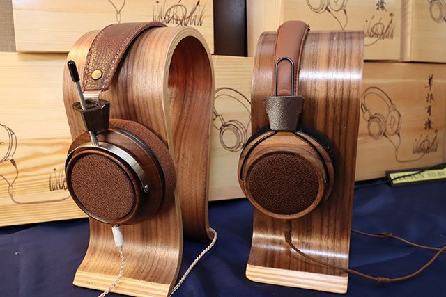 图左是Tecsun高阻抗版本的HP-300耳罩耳机;图右是早先推出的草根耳机。