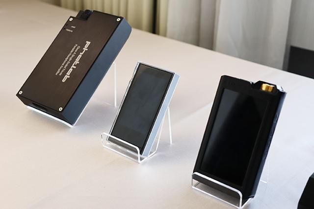 Phatlab耳扩、Lotoo PAW Gold Touch触菊随身音乐播放器。